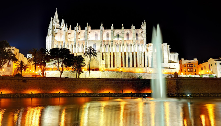 Kathedrale La Seu bei Nacht