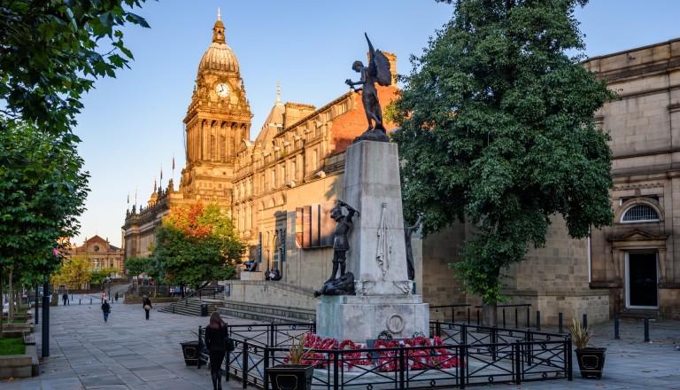 Die Innenstadt von Leeds mit dem Rathaus.