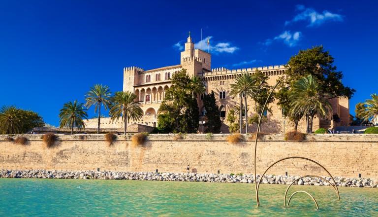Der maurische Almudaina Palast in Palma de Mallorca.