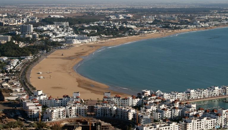 Buchen Sie Ihr Wunschhotel in Strandnähe, z.B. in der Bucht von Agadir. Surfurlaub Marokko