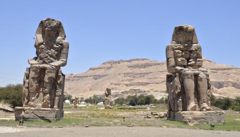 Die Memnon Kolosse in Luxor.