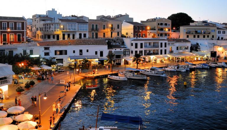 Menorca - Wunderschöne Natur und interessante Ferienort.