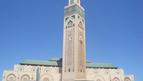 Die Hassan-II.-Moschee in Casablanca ist die fünftgrößte Moschee der Welt.