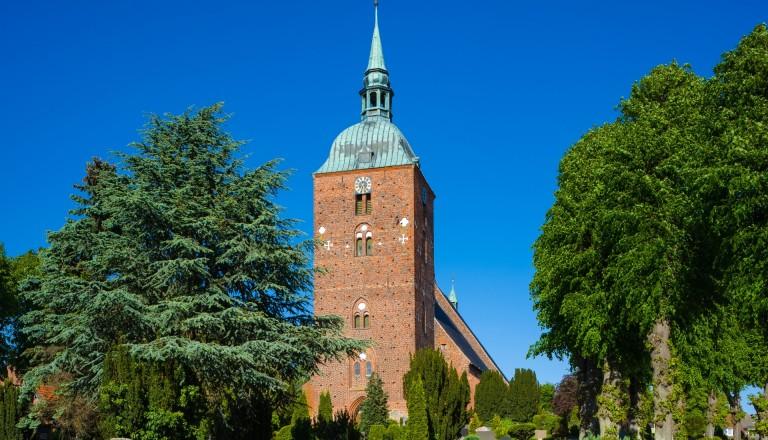 Die Sankt Nikolaikirche in Burg.