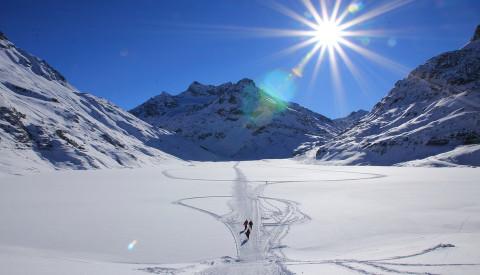 Wintersport und Wellness - das passt gut zusammen. Ski in Österreich