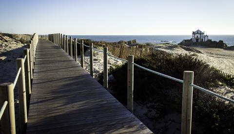 Surfurlaub in Portugal - Wir ebnen den Weg und heben die Wellen!