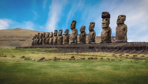 Die mysteriösen Statuen des Rapa-Nui-Nationalparks der Osterinsel.