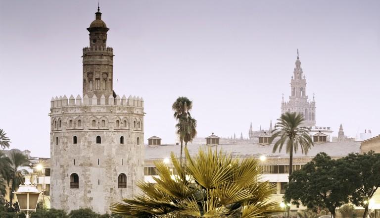 Der Glockenturm La Giralda in Sevilla