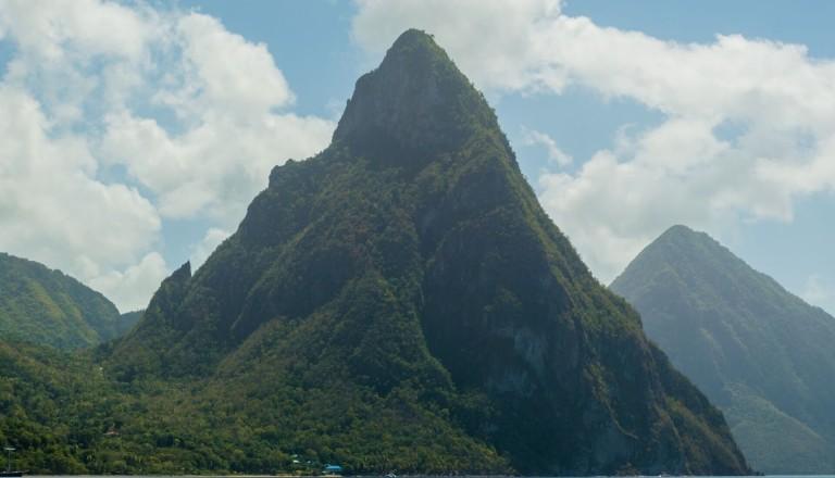 Die Pitons - Wahrzeichen von St. Lucia.