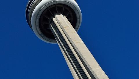Der CN Tower von Toronto gehört zu den sieben Weltwundern der modernen Welt.