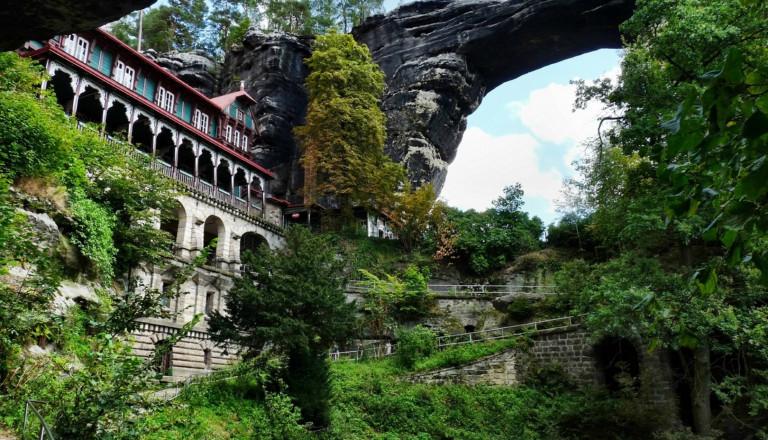 Neben wunderschönen Städten bezaubert Tschechien auch durch seine Natur, wie hier in Böhmen.