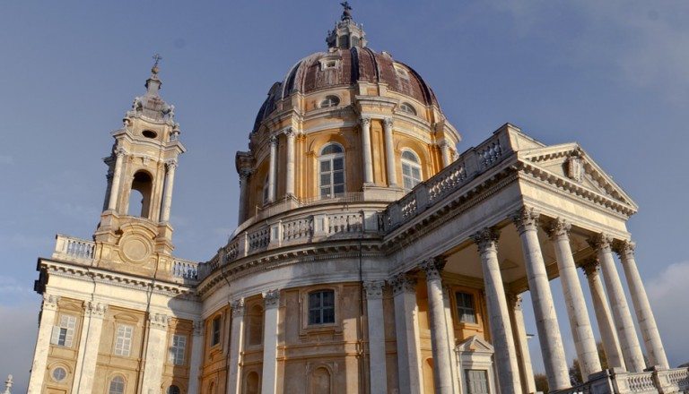 Der Turiner Dom mit Grabtuchkapelle.