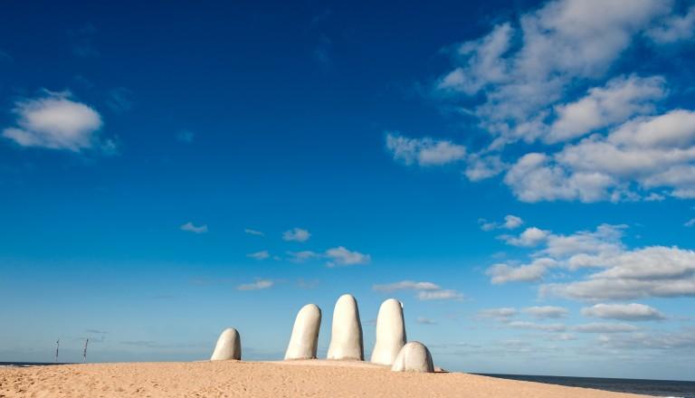 Uruguay Reisen Punta del Este Handskulptur