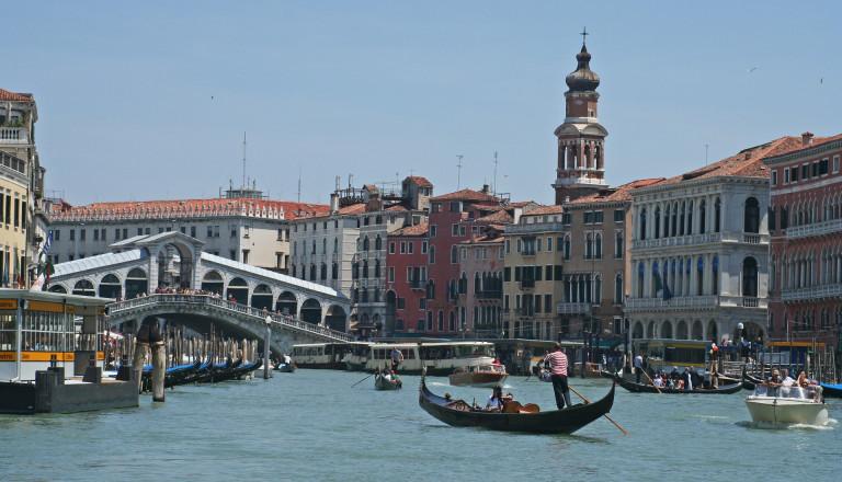 Im Stadtteil San Polo ist u.a. die Rialto Brücke zu finden.