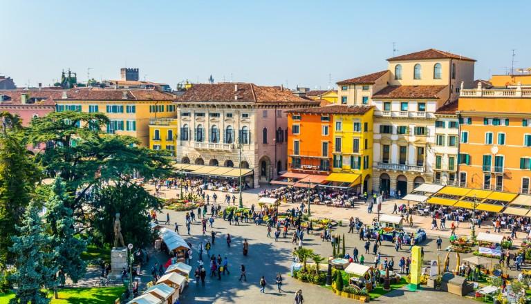 Der Piazza Bra in Verona.