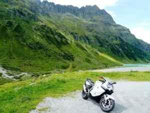 Die Deutsche Alpenstraße ist auch bei vielen Motorradfahrern beliebt