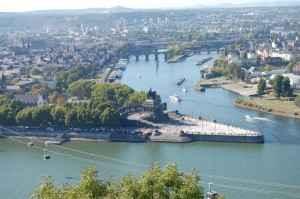 Das Deutsche Eck bei Koblenz wo der Rhein auf die Mosel trifft