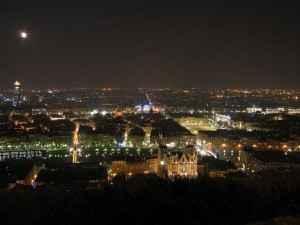 Lyon bei Nacht - Notre Dame de Fourviere