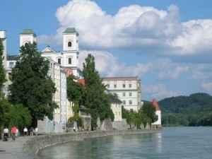 Die Donaupromenade in Passau, das Ziel der Schiffsreise