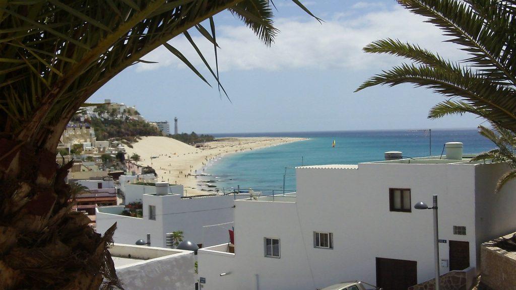 Jandia - Bilck über den Playa del Matorral zum Faro de Morro Jable