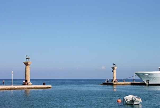 Mandraki Hafen auf Rhodos
