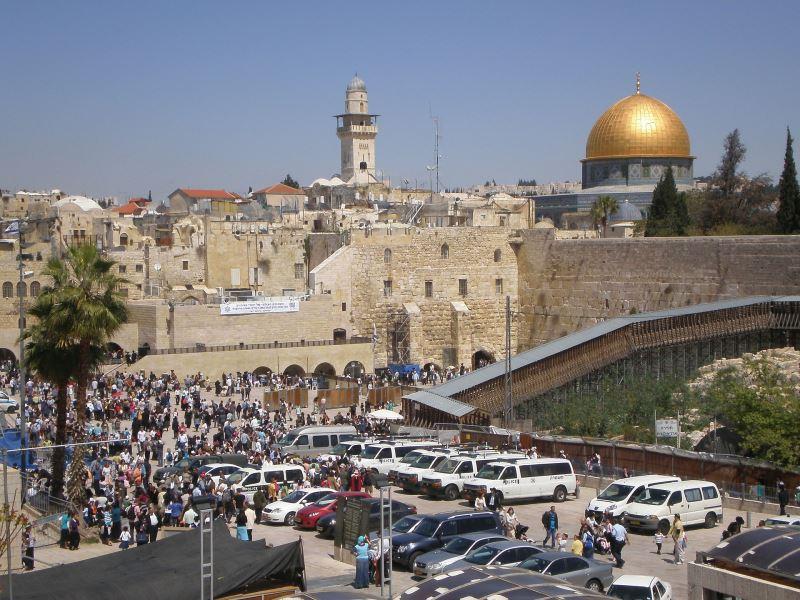 Die Klagemauer in Jerusalem ist eine beliebte Sehenswürdigkeit