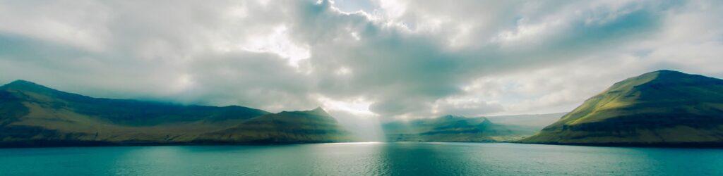 Meer auf den Färöer-Inseln