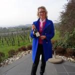 Anuk Bastian bei der Weinprobe