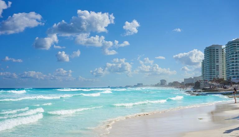 Cancun-Playa-Gaviota-Azul