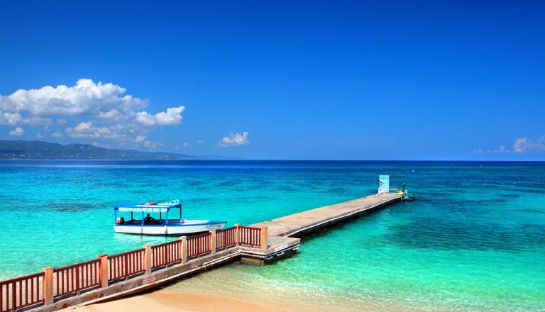 Jamaika-Doctors-Cave-Beach