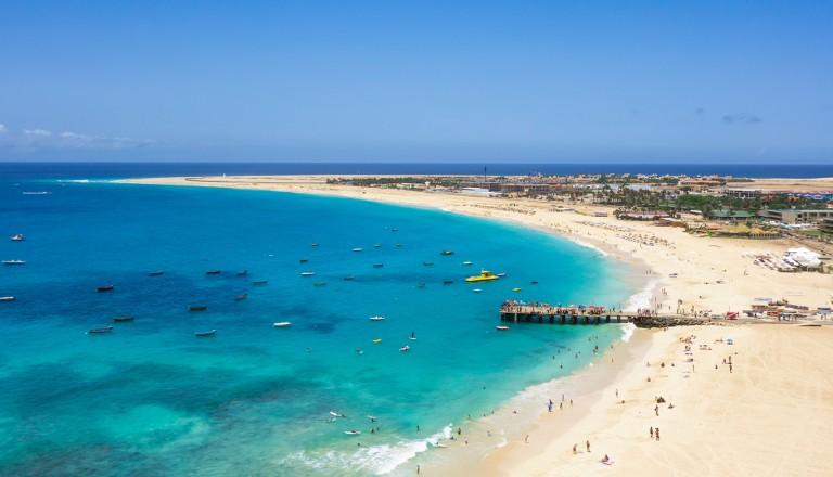 Kap-Verde-Praia-de-Santa-Maria