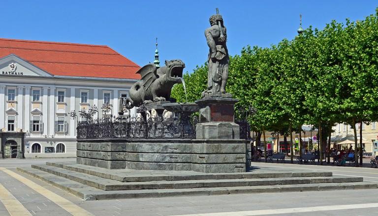 Oesterreich-Lindwurmbrunnen-Klagenfurt.
