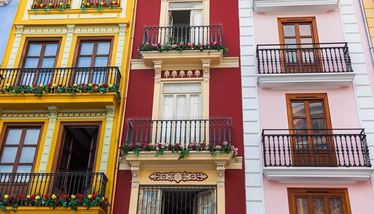 Valencia-Die-schmalste-Fassade-Euroas
