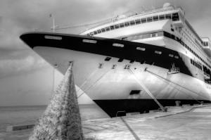 Mein Schiff cruise-ship-1111663_1280