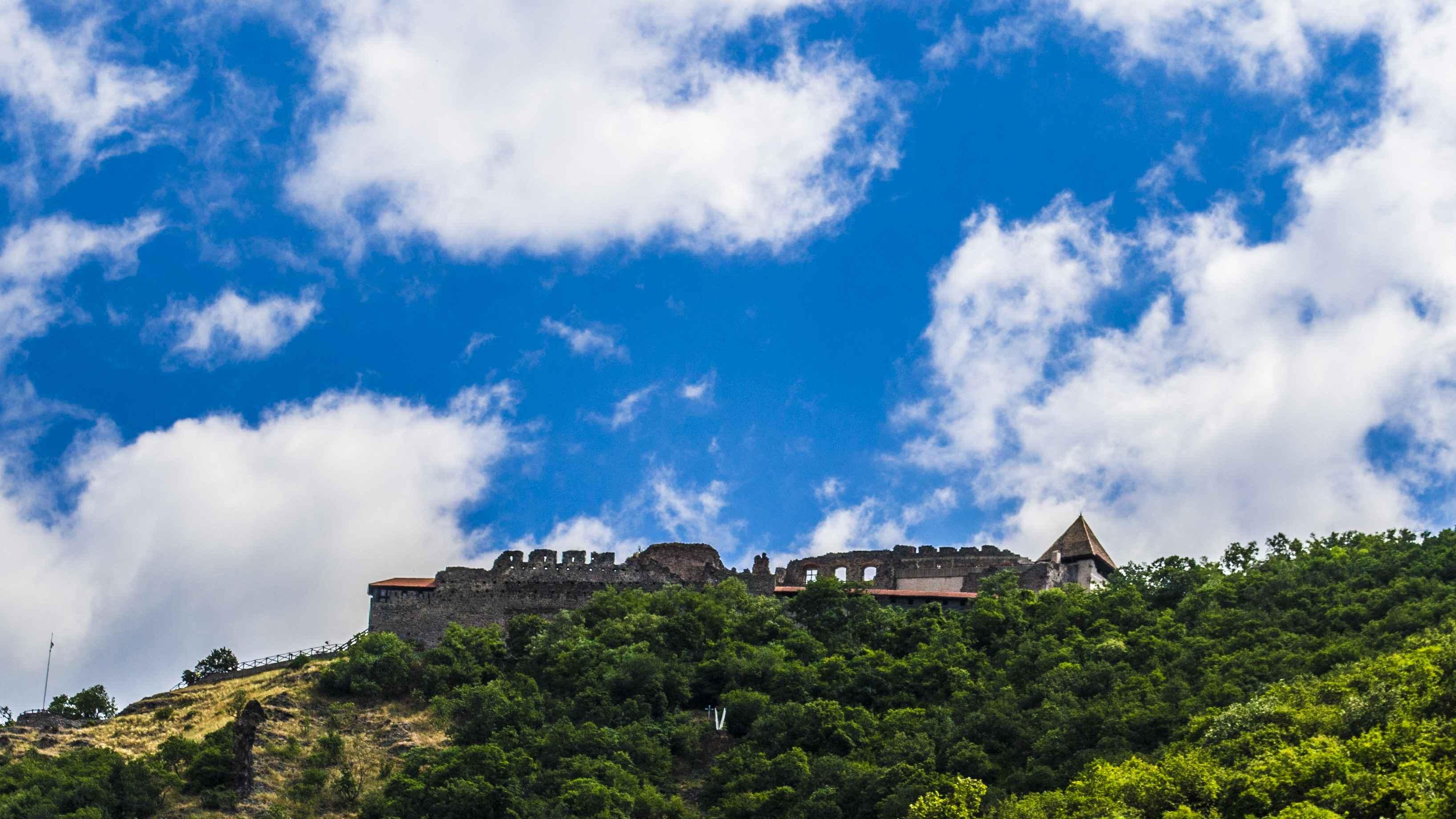 Visegrád Burg vom Fuße des Berges