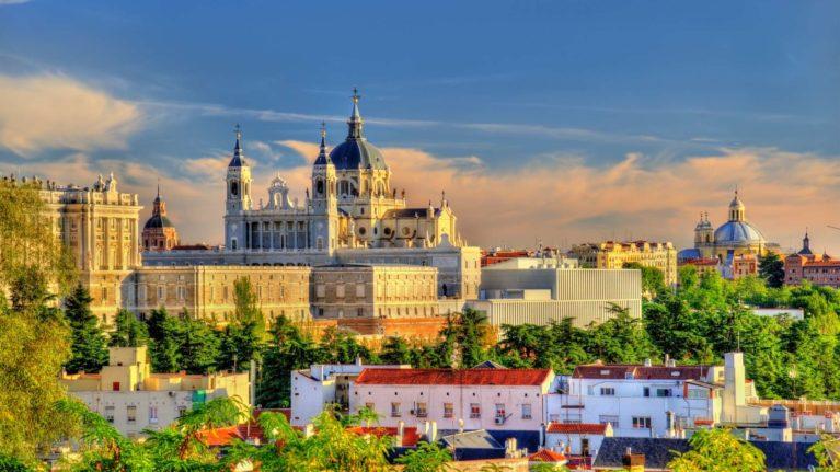 Billigflüge Madrid