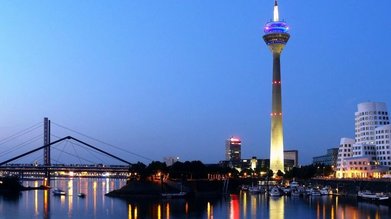 Flüge nach Düsseldorf, Deutschland
