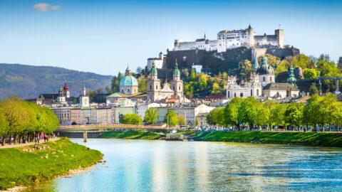 Flug nach Salzburg